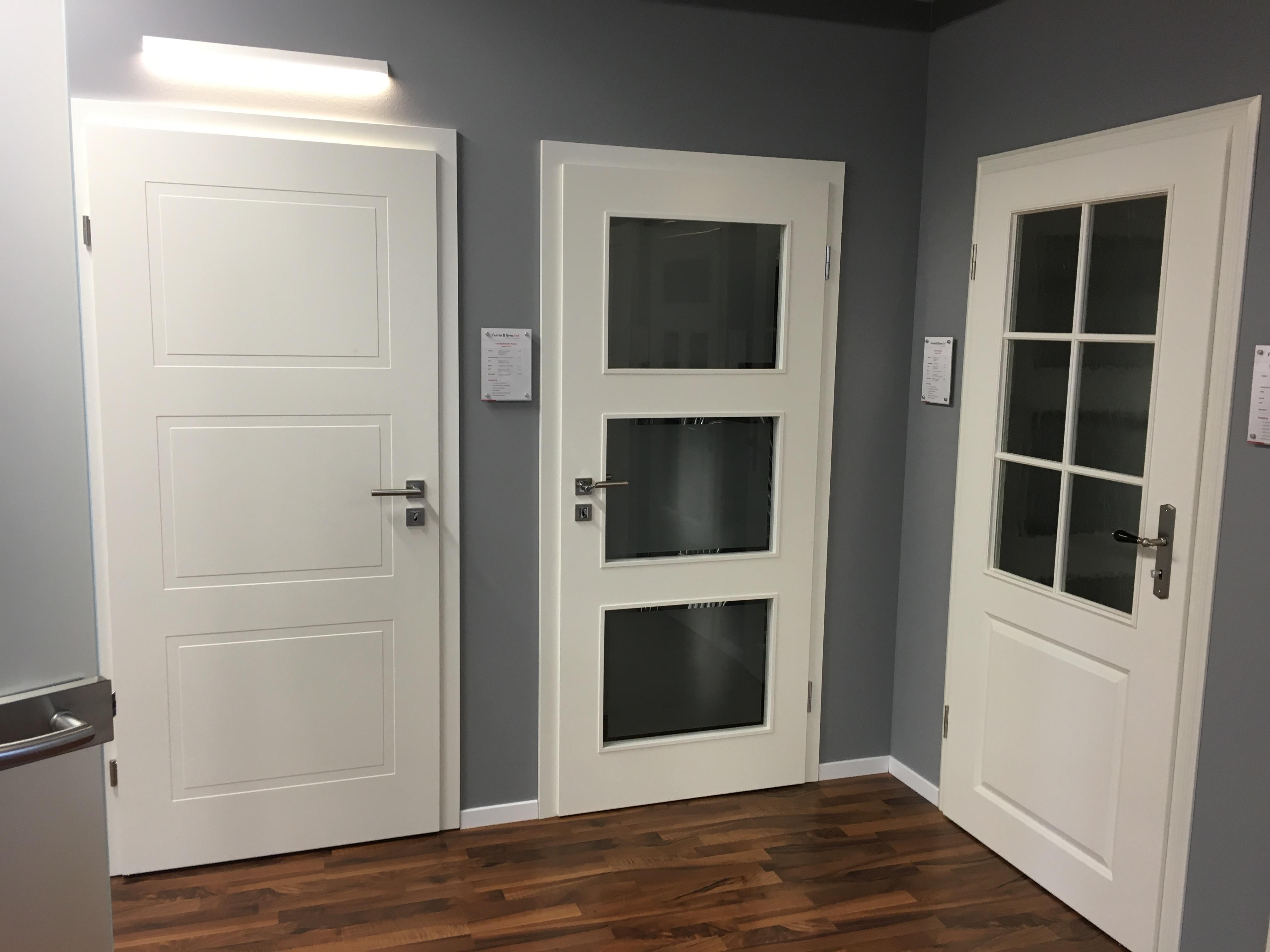 modernisierung der innent ren ausstellung in stuhr fenster und t ren welt. Black Bedroom Furniture Sets. Home Design Ideas