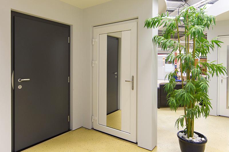 ausstellungen fenster und t ren welt. Black Bedroom Furniture Sets. Home Design Ideas