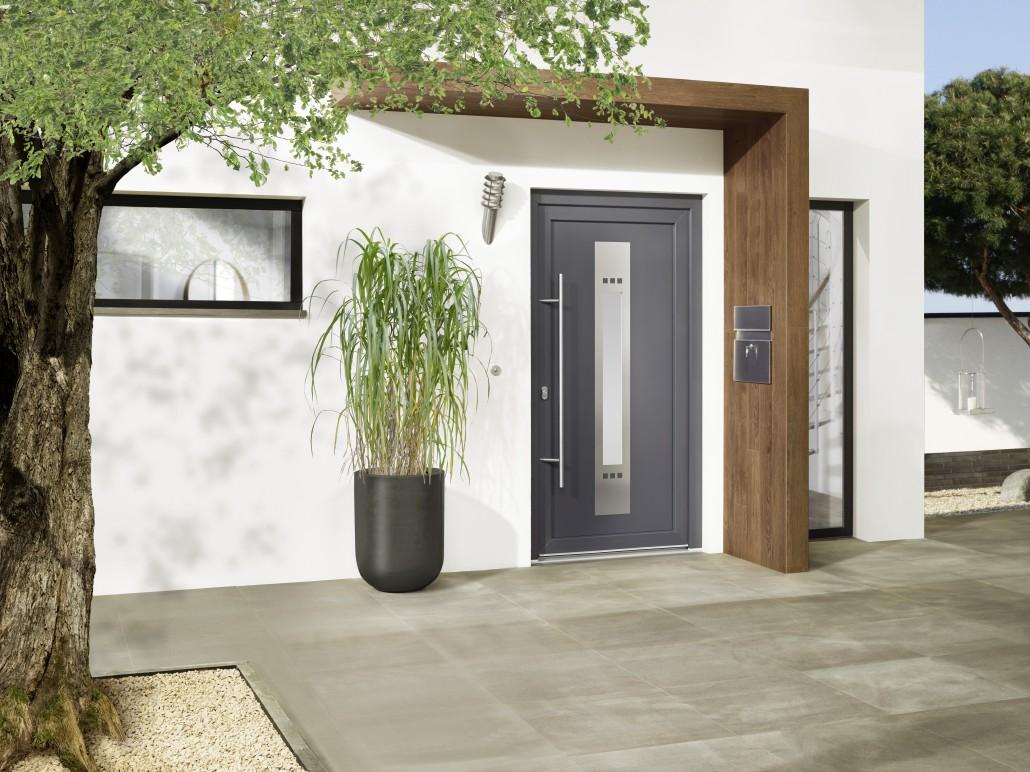 haust ren aus kunststoff fenster und t ren welt. Black Bedroom Furniture Sets. Home Design Ideas